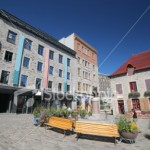 istockphoto_4995938-place-royale-in-the-old-quebec-city